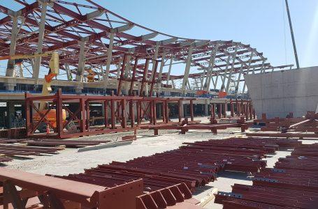 Estructura metálica en el Aeropuerto de Santiago: Modelo para armar