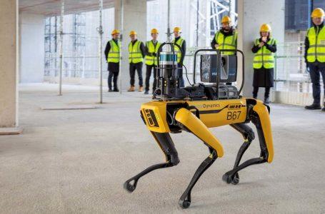 Perro robot inspecciona obras de construcción