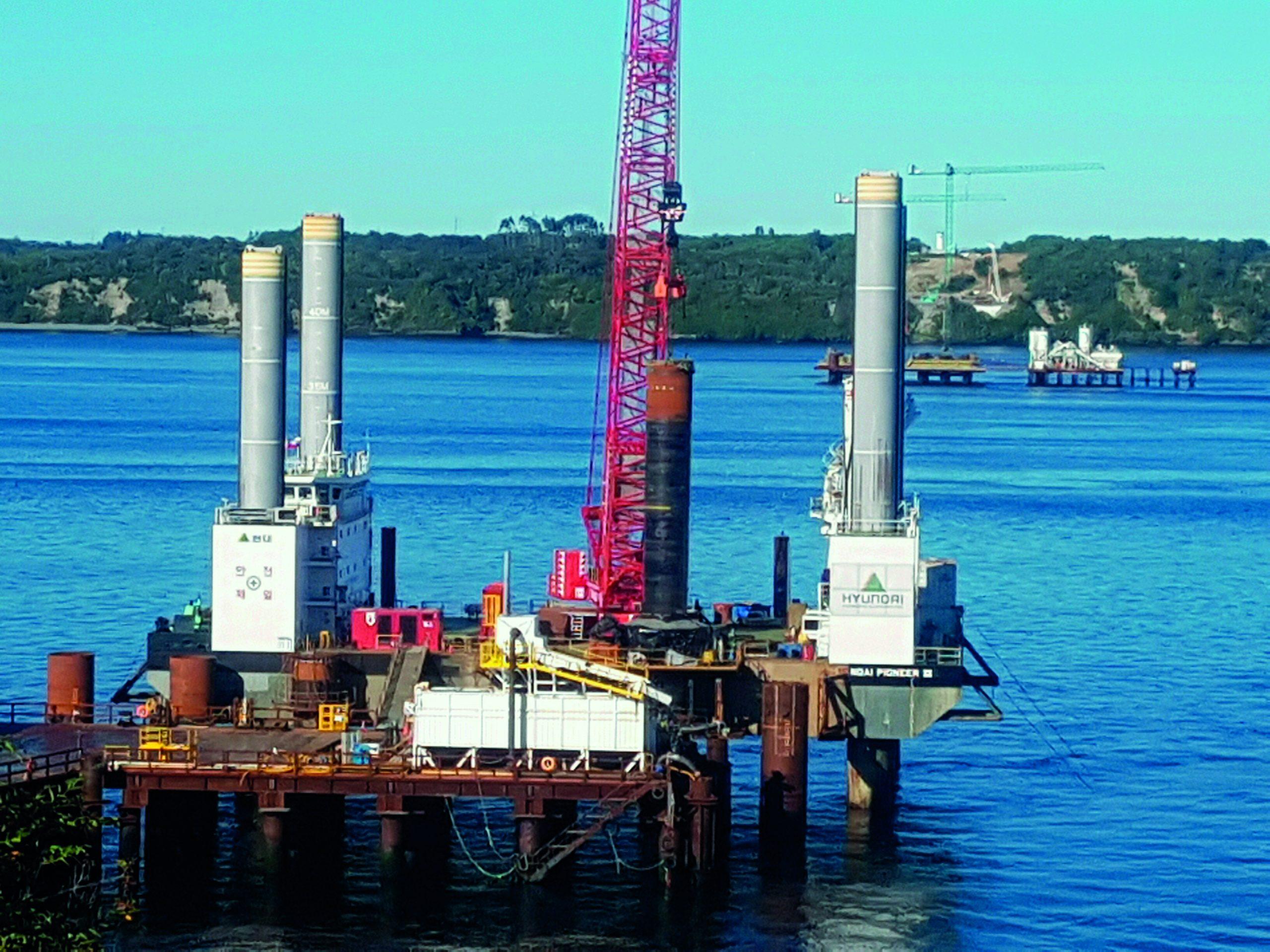 Hincado de pilotes en el Puente Chacao: Fondo marino